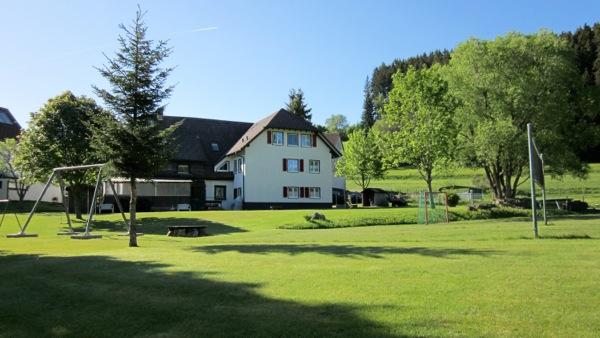 Altes Schwarzwaldhaus Außenanlagen